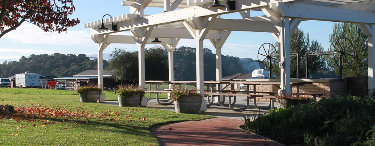 Rancho Cielo Picnic Tables